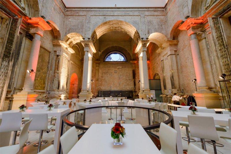 Dinner mit BELLAN Catering im oberen Foyer des Lipsiusbau