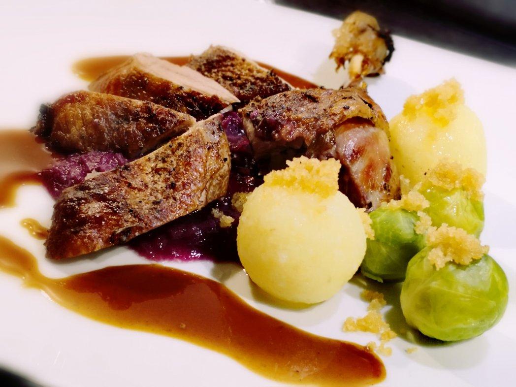 Weihnachtsbuffet by BELLAN Catering Dresden